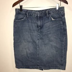 Gap denim miniskirt.